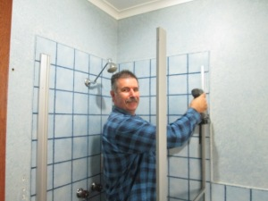 Bathroom reno DISMANTLING (1)