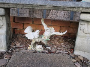 ornaments in front garden (6)